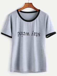 Grauer Kontrast-Ordnungs-Buchstabe-Druck-T-Shirt