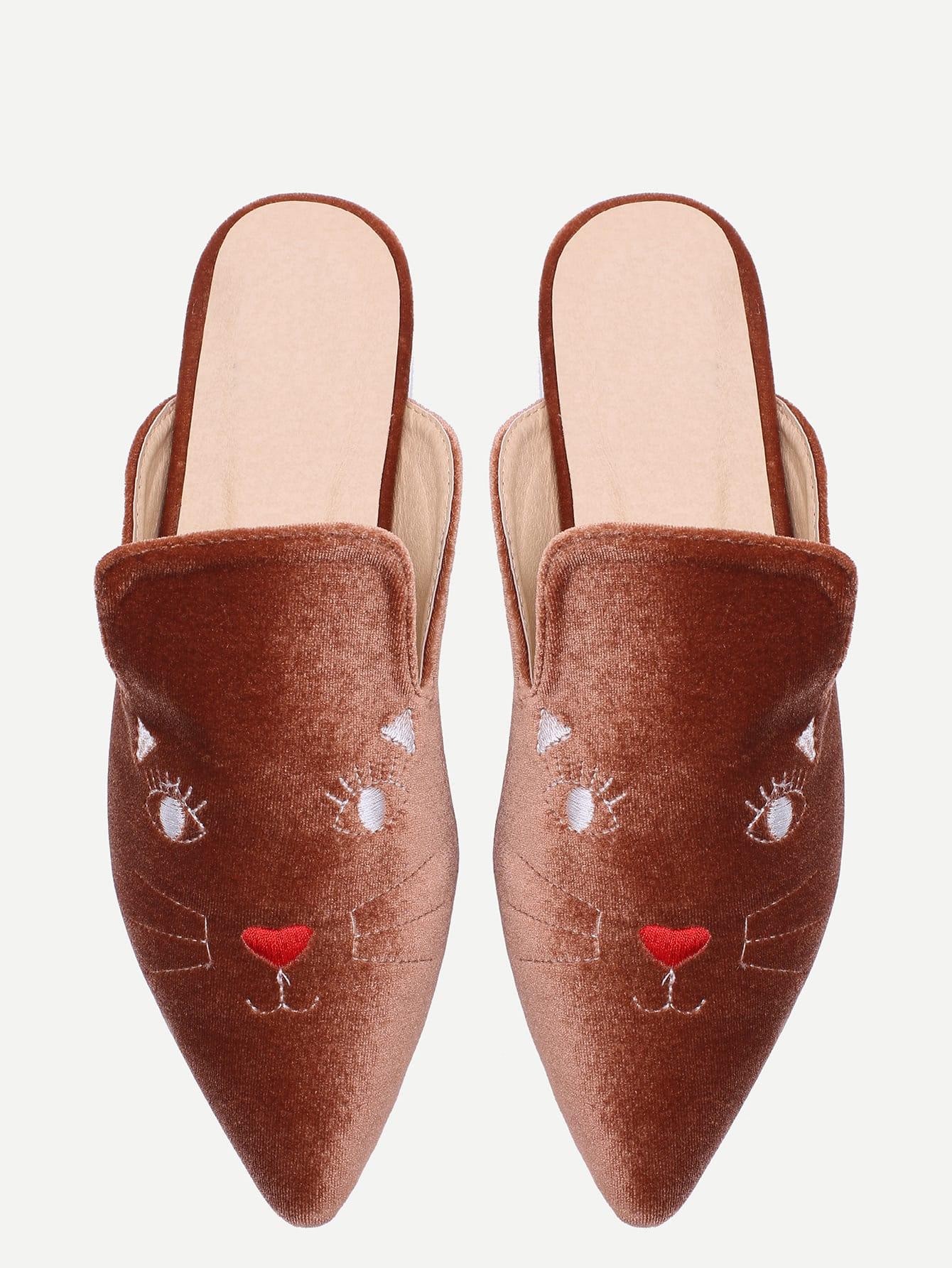 Фото Brown Cat Embroidery Point Toe Slippers. Купить с доставкой
