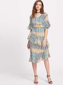 Multicolore à rayures Ruffle Trim Bell robe de manchette
