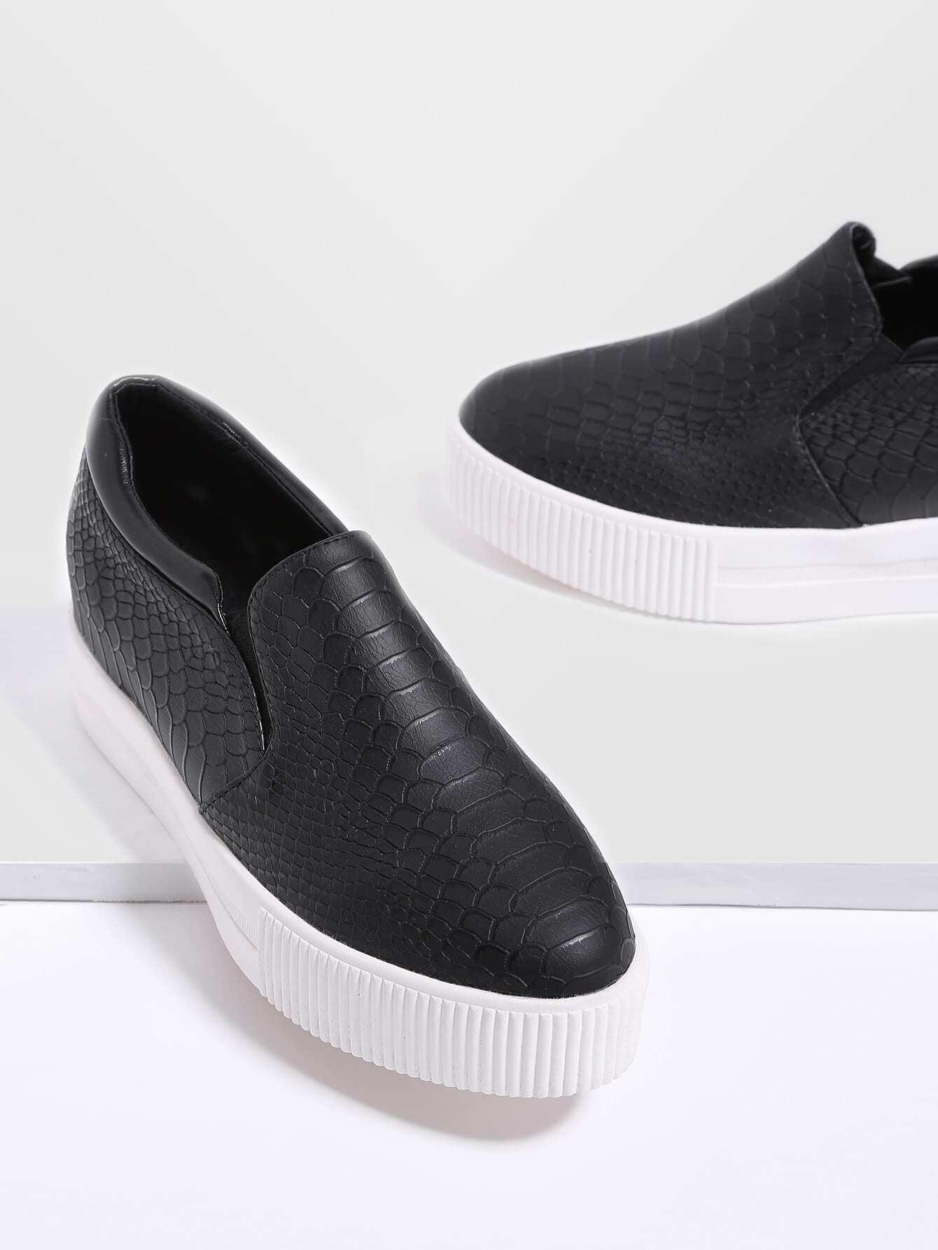 Black Crocodile Pattern Flatform Sneakers