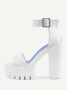 Sandales à talons hauts en deux parties