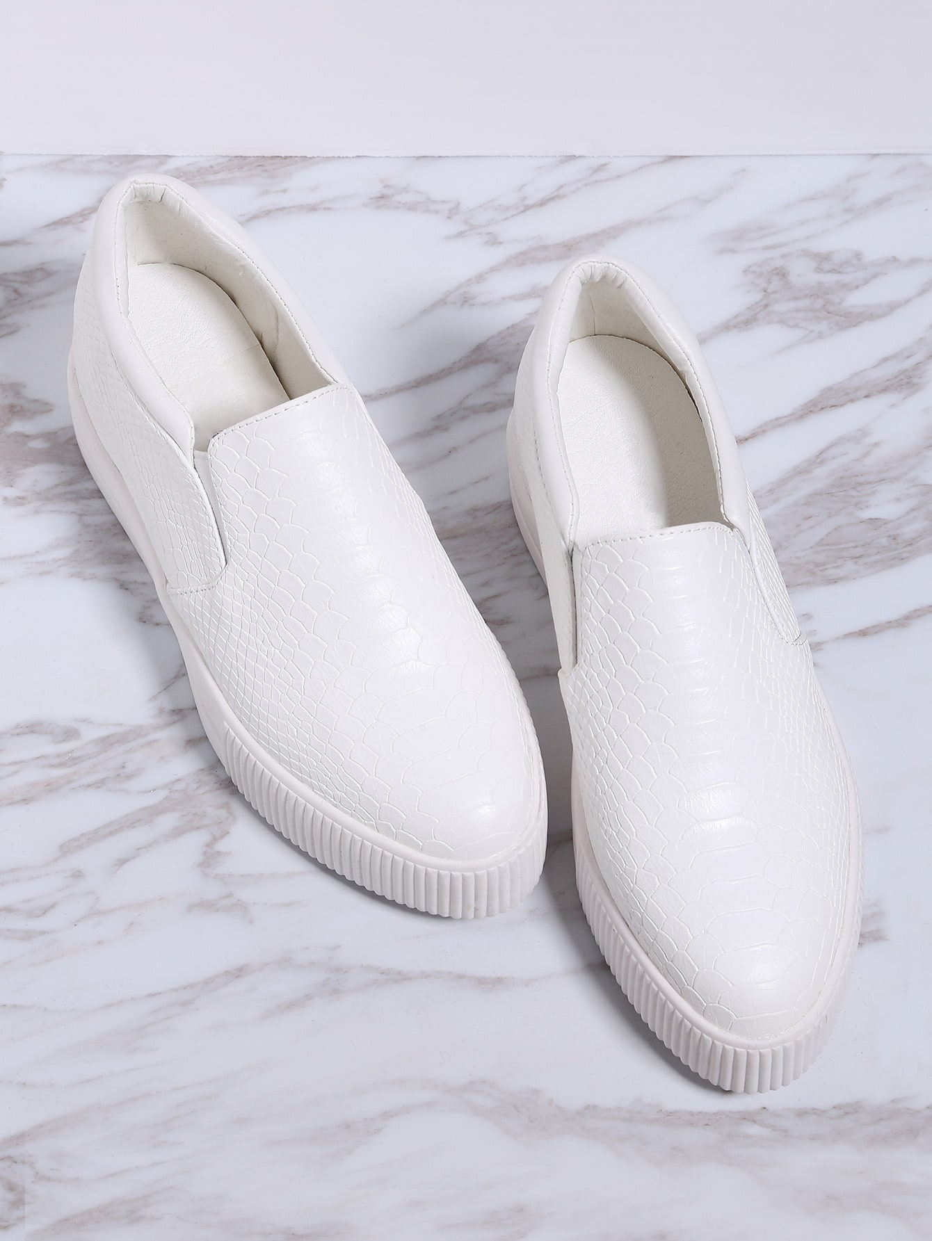 White Crocodile Pattern Flatform Sneakers