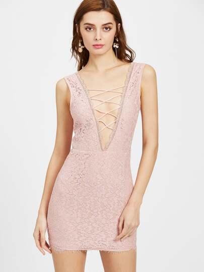 Розовое платье без бретелек