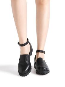 Chaussures NOUVEAU