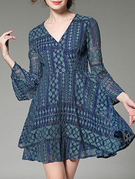 Фото Blue V Neck Bell Sleeve Lace Dress. Купить с доставкой