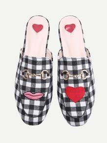 Chinelas estilo mocasín de cuadros con estampado de corazón - negro blanco