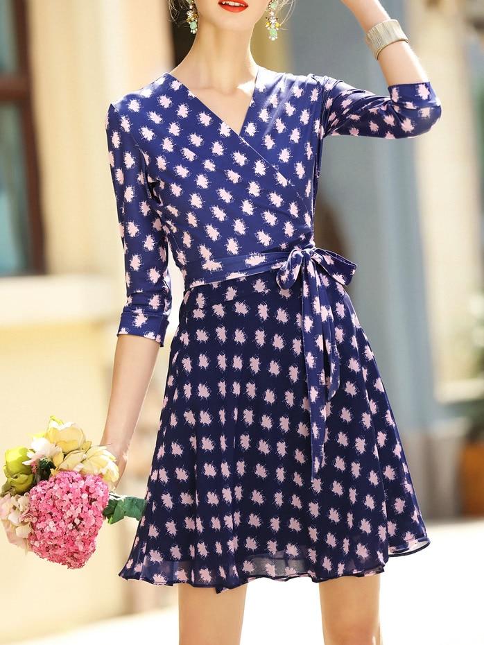 Фото Blue V Neck Print Tie-Waist Dress. Купить с доставкой