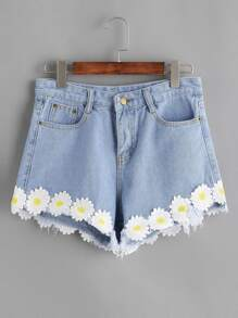 Flower Appliques Raw Hem Denim Shorts