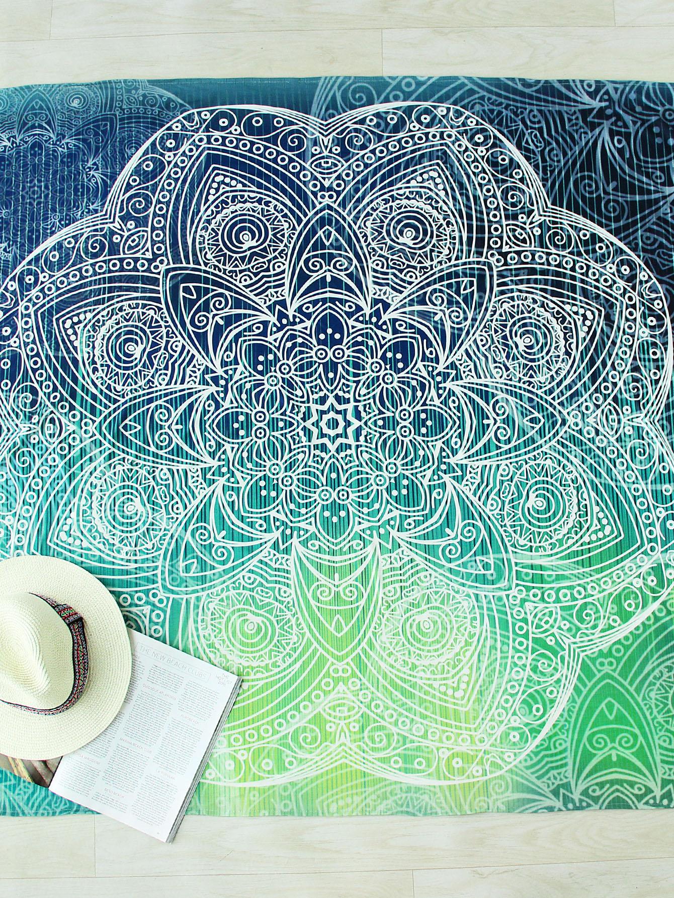 Фото Turquoise Flower Print Round Beach Blanket. Купить с доставкой