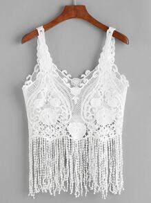 Top blanc en crochet en dentelle avec des franges