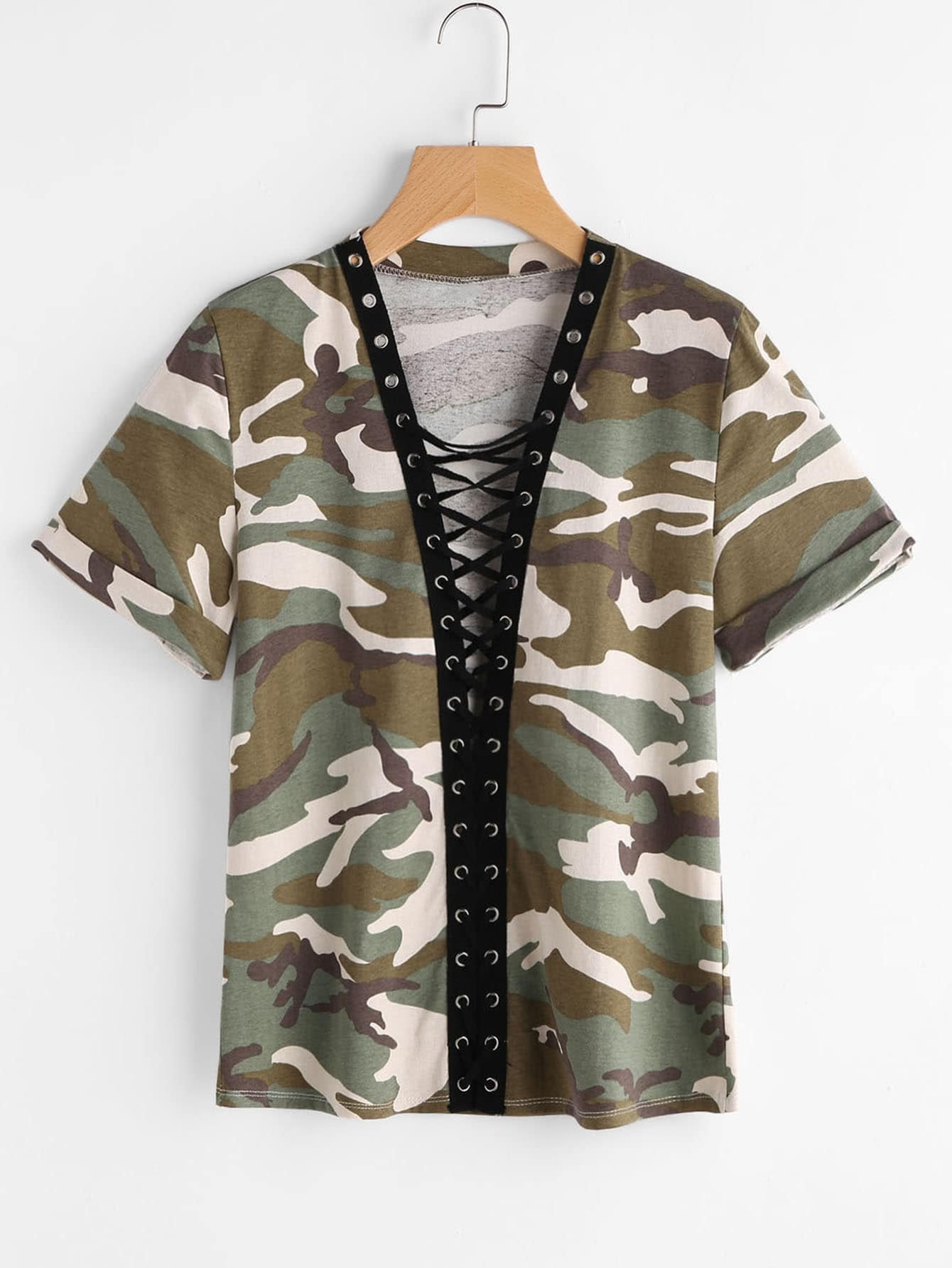 Фото Camo Print Roll Sleeve Eyelet Lace Up Plunging Tee. Купить с доставкой