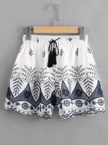 Shorts bordado con cordón con fleco