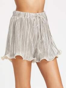 Shorts fruncido de color metálico ribete de lechuga