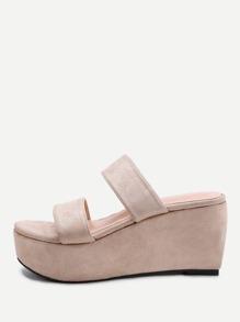 Sandales avec lacets