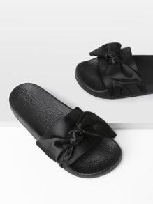 Sandalias con diseño de lazo satinado