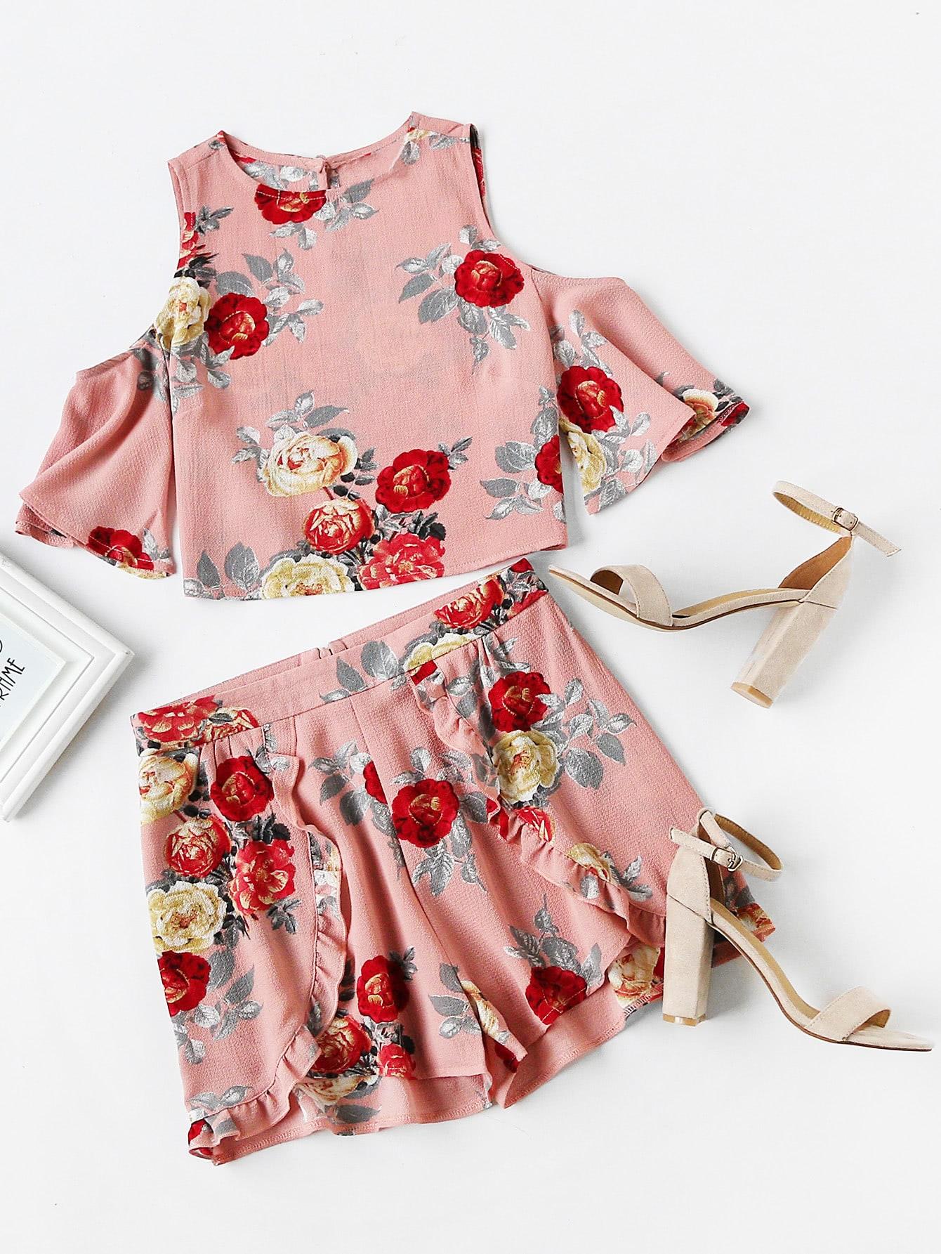 Фото Open Shoulder Floral Top With Ruffle Trim Wrap Shorts. Купить с доставкой