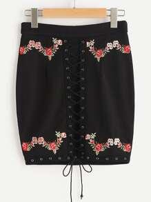 Falda bordada de flor con ojal con cordón