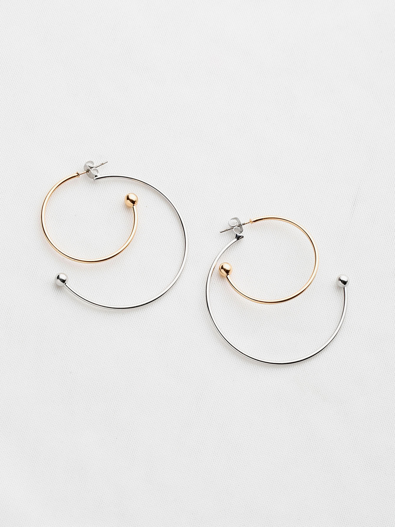 Фото Two Tone Half Circle Hoop Earrings. Купить с доставкой