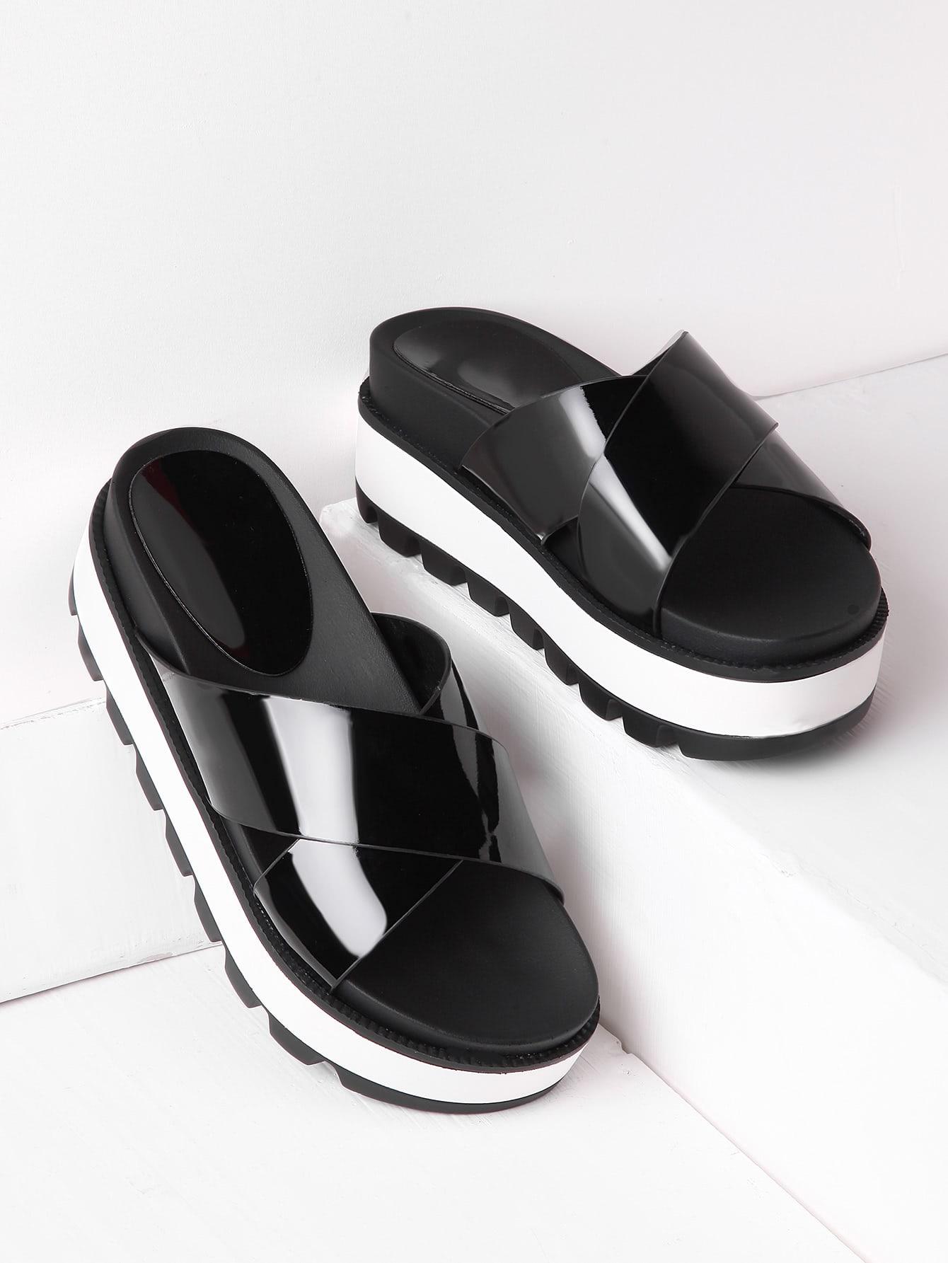 Фото Criss Cross Patent Leather Flatform Slides. Купить с доставкой