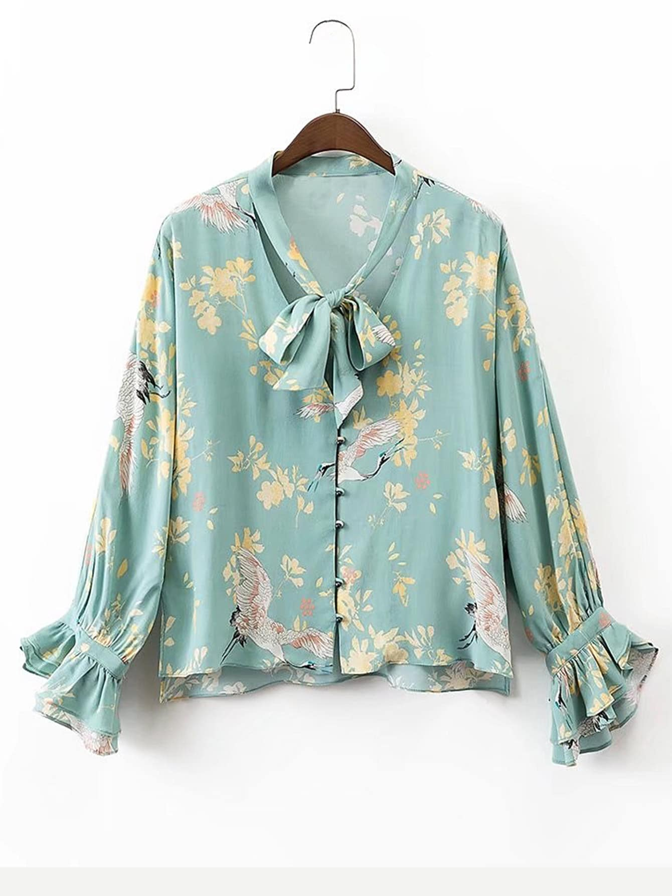 Фото Tie Neck Bell Sleeve Floral Blouse. Купить с доставкой