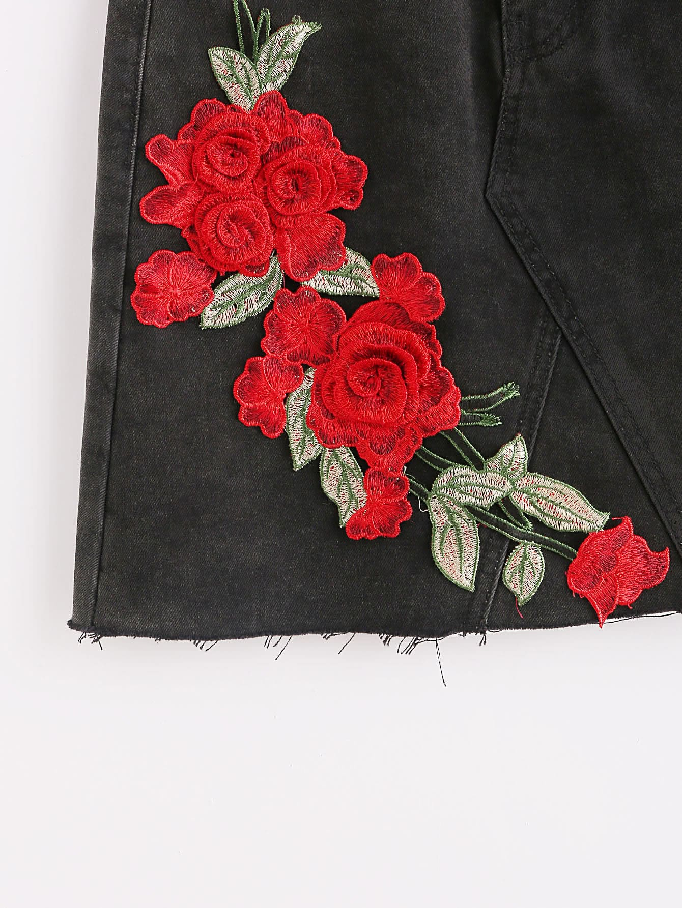 D embroidered rose patch raw edge denim skirt shein