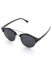 Gafas de sol con puente doble con lentes planas