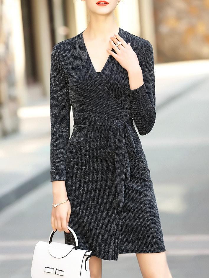Фото Black V Neck Tie-Waist Sheath Dress. Купить с доставкой