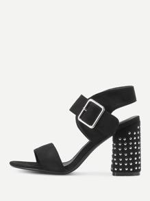 Sandales à talons avec rivets