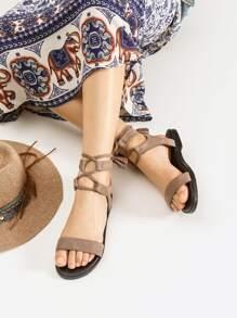 Tassel Detail Sandales plates à lacets