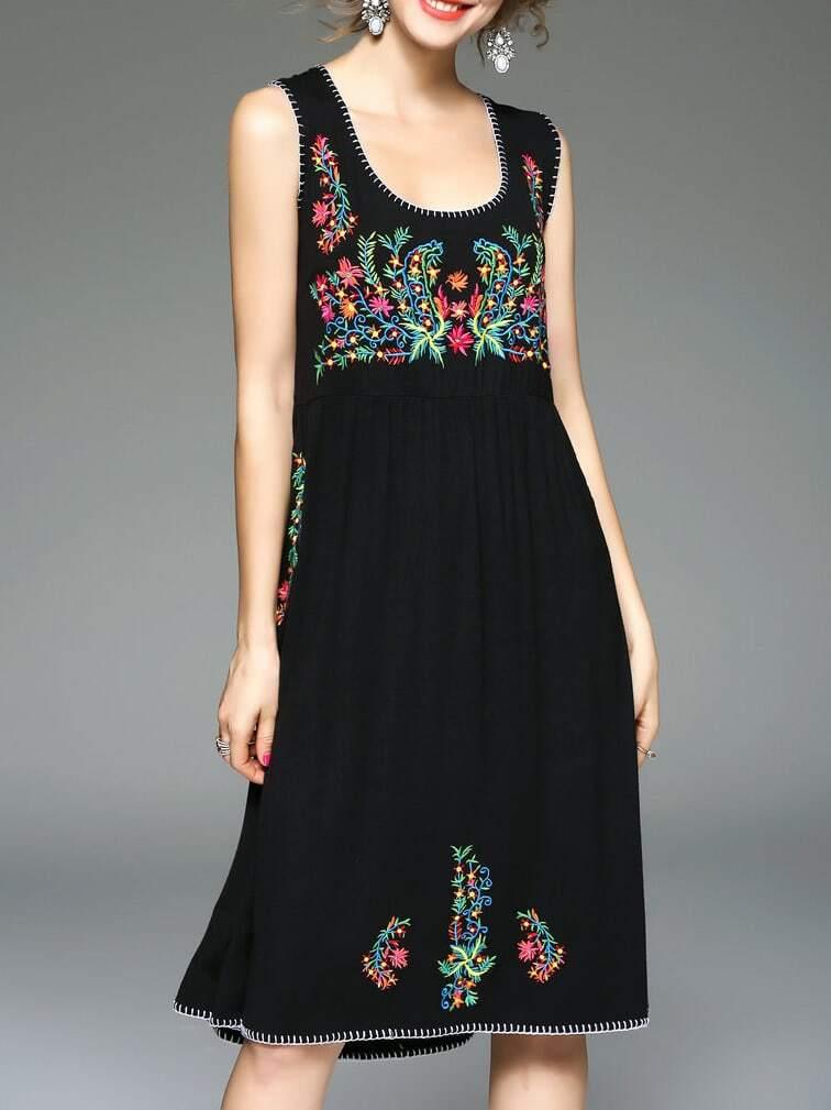 Фото Black U Neck Flowers Embroidered Dress. Купить с доставкой