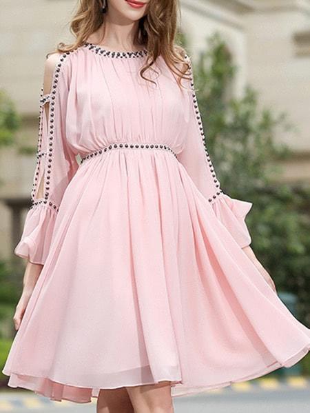 Фото Open Shoulder Beading Bell Sleeve Dress. Купить с доставкой