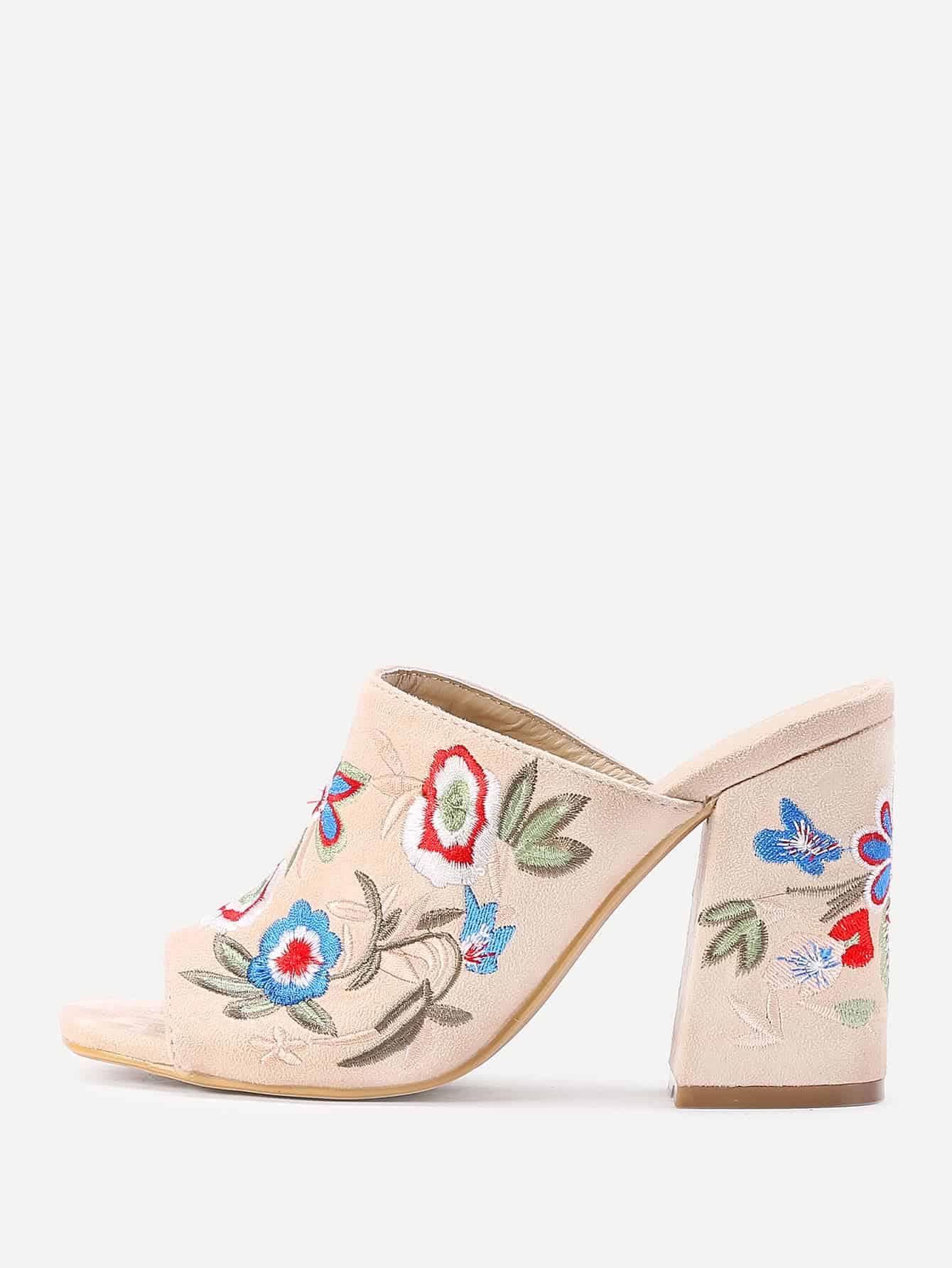 Фото Flower Embroidery Heeled Mules. Купить с доставкой