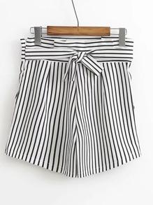 Shorts bicolore à rayures avec un lacet