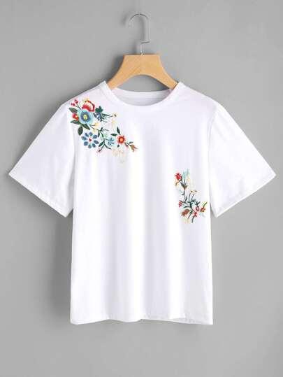 Camiseta de manga corta bordada de flor