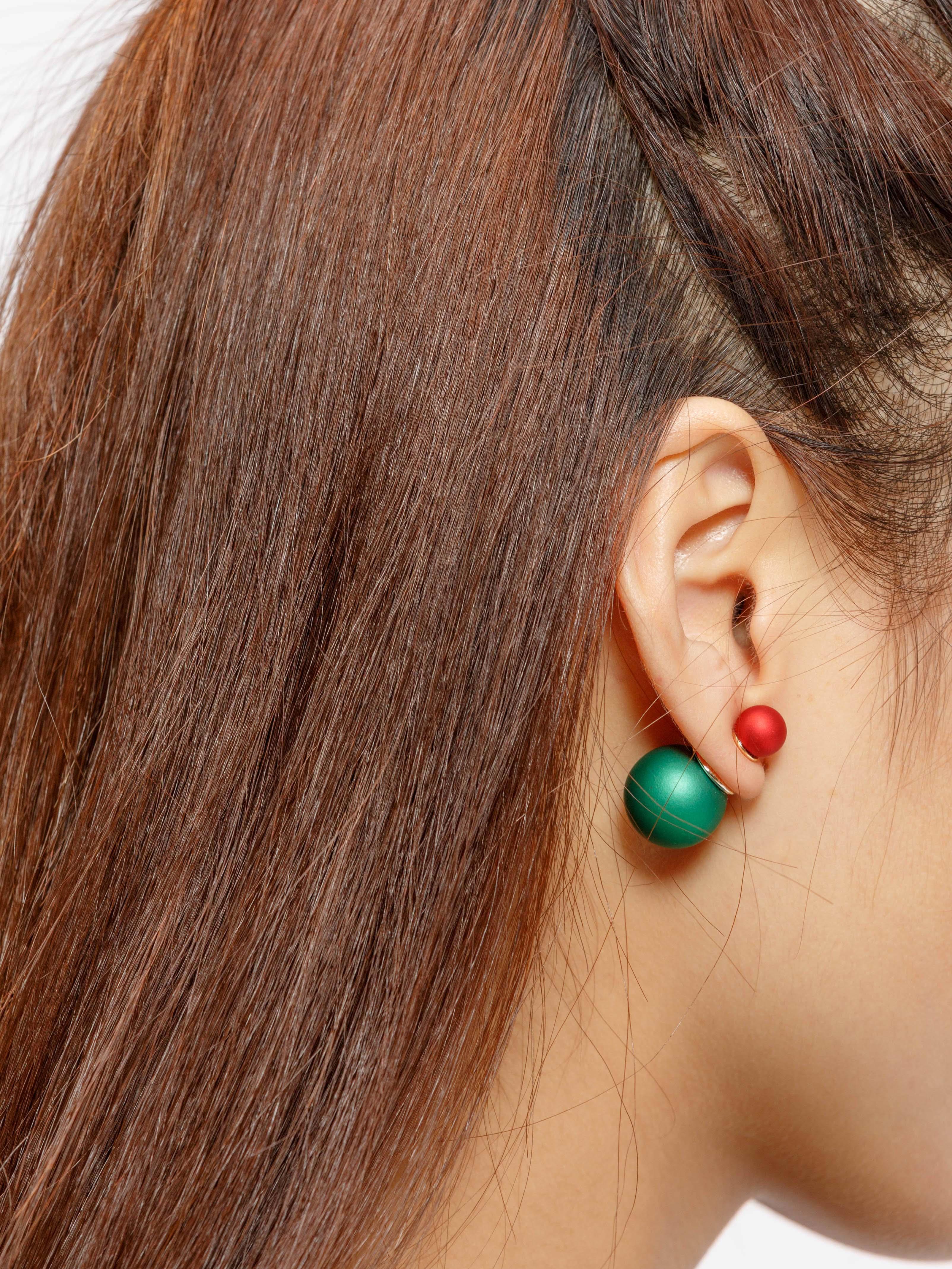 Фото Two Tone Ball Stud Earrings. Купить с доставкой