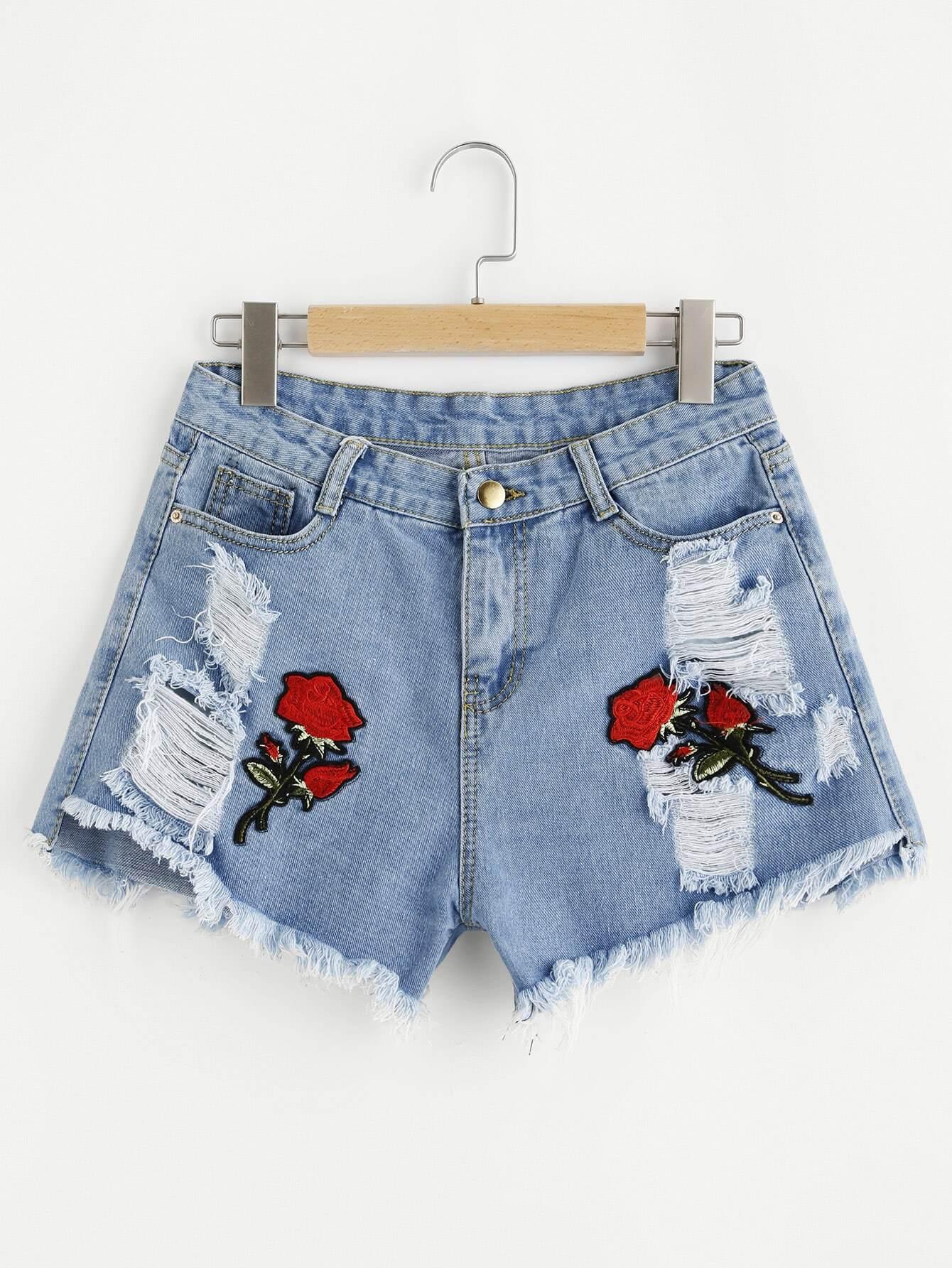 Фото Embroidered Applique Frayed Hem Denim Shorts. Купить с доставкой