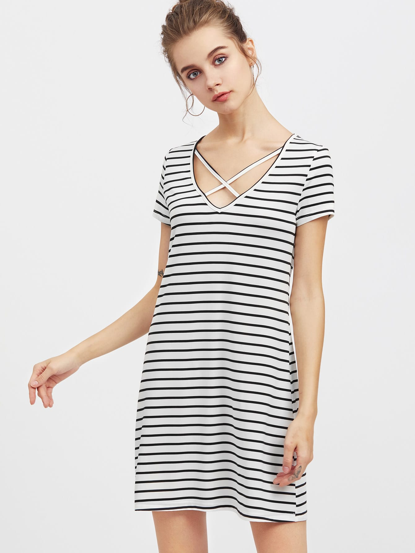 цена на Crisscross V Neck Striped Tee Dress