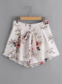 Shorts imprimé fleuri large avec des plis et une ceinture