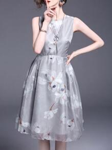 Vestido con estampado de flores con lazo de espalda abierta