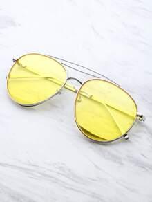 Gafas de sol estilo aviador con barra superior metálica