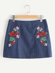 Falda con bordado de flor en línea A en denim