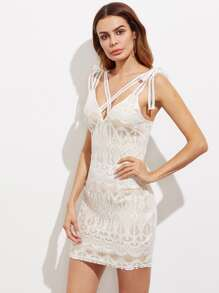 Criss Cross Front Lace Bodycon Dress
