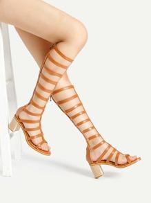 Sandales à talons tressés au genou