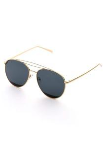 Gafas de sol estilo aviador con marco en contraste