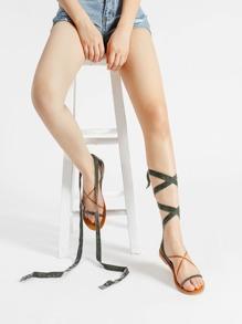 Sandales croisé à fond plat en velours
