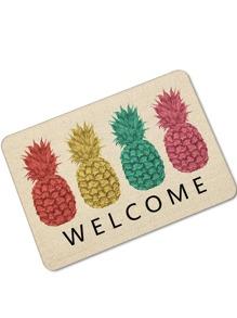 Tappeto con stampa di ananas e lettera