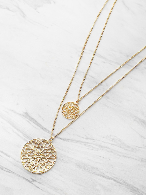 Hollow Out Round Pendant Double Layered Necklace, null