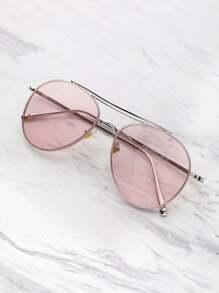 Gafas de sol estilo aviador con barra superior en contraste