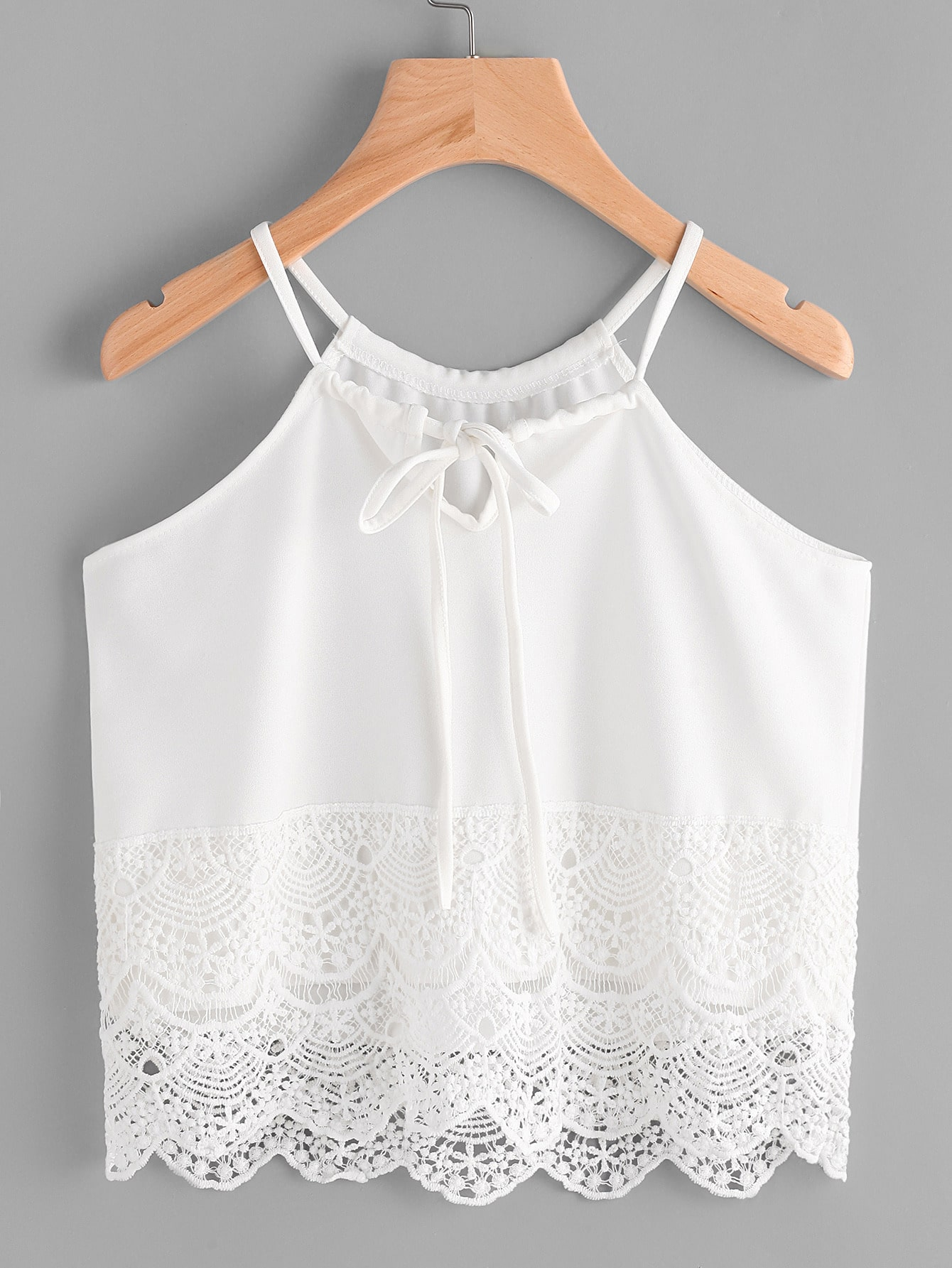 Фото Scallop Lace Trim Drawstring Halter Top. Купить с доставкой