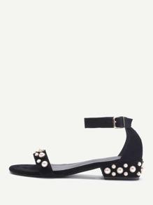 Sandales avec lacets et des perles artificielles